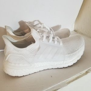 Adidas sneakers size 8 1/2